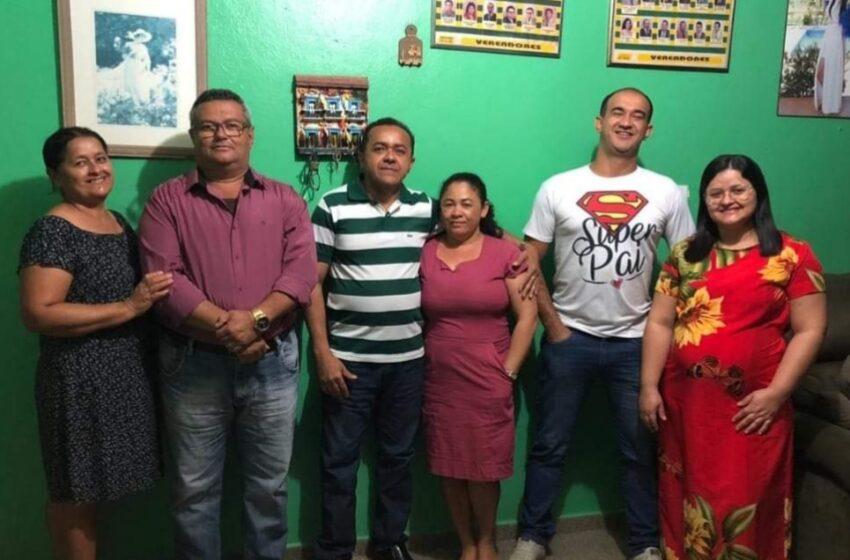 VEREADOR Robério, conforme o líder Zé Filho, continua pré-candidato e a merecer seu apoio no processo da sua reeleição