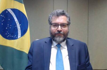 """BOLSONARO """"desfez mitos"""" sobre Brasil, diz novo embaixador nos EUA"""