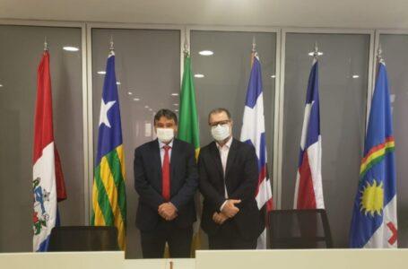 GOVERNADOR se reúne em Brasília para discutir distribuição de vacinas e reaquecimento da economia