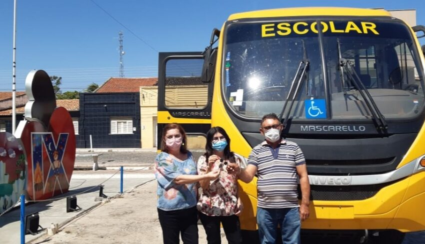 PREFEITURA de Pio IX adquire novo ônibus para transporte escolar