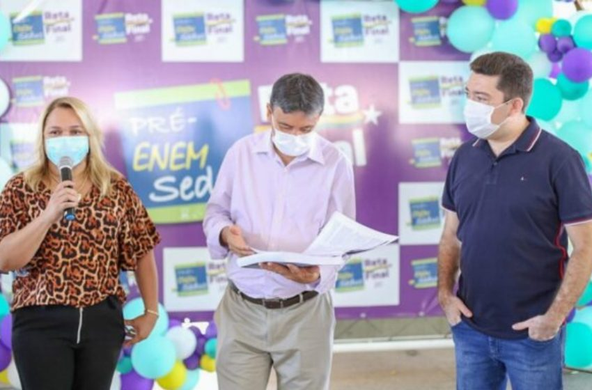 GOVERNADOR acompanha revisão que marca retorno das atividades presenciais na educação