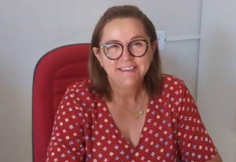 ARMANDINA Vieira, secretária de Educação de Marcolândia, convidada a receber honraria