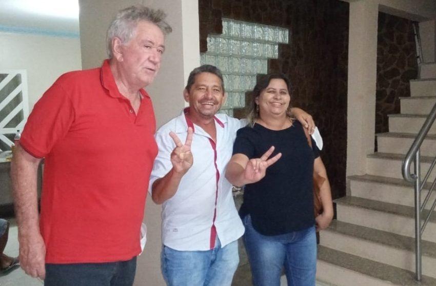 """""""DODÓ de Neoclides"""", prefeito eleito de Salitre e sua esposa Fátima, eleita vereadora, foram recebidos pelo líder Moésio Loiola"""