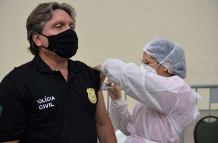 COMEÇOU a imunização dos profissionais da segurança pública com a primeira dose da vacina contra a Covid-19 em Fortaleza