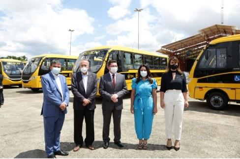 PIAUÍ recebe 32 novos ônibus escolares do Ministério da Educação