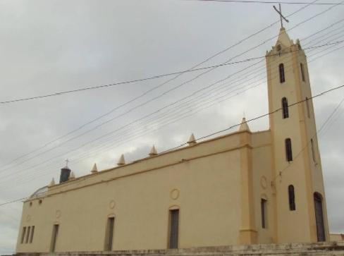 ITAGUÁ, Campos Sales, possui serviços de abastecimento de água, graças o SISAR e o Moésio Loiola, quando prefeito