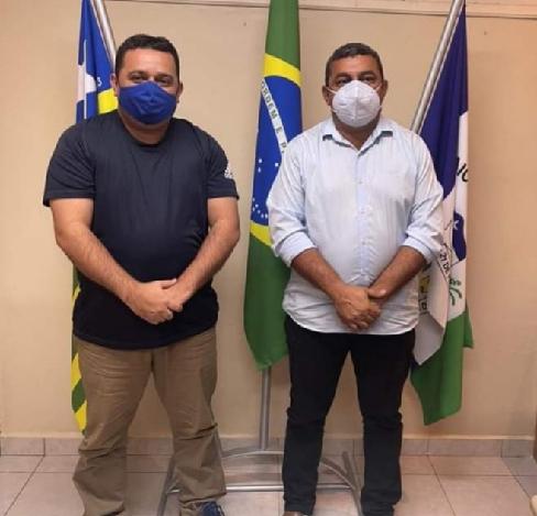 TONINHO, prefeito presidente da AMVI, foi a Jaicós na noite da quarta-feira, 16 de Junho, para rever o amigo Neném de Edite