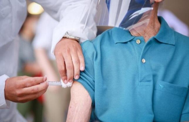 PIAUÍ supera a meta de vacinação contra a Covid-19 em idosos acima de 75 anos