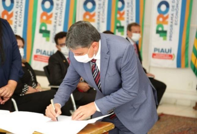 GOVERNO e concessionária assinam contrato da PPP da Rodovia Transcerrados