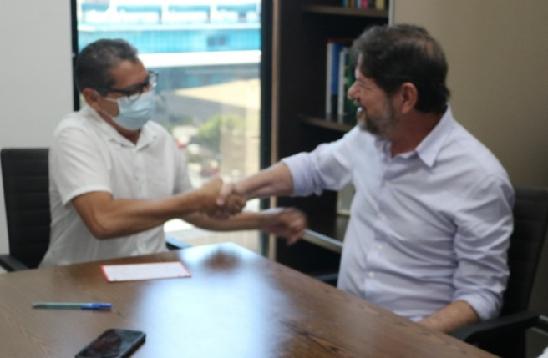 PREFEITO de Salitre, Dodó de Neoclides, se filia ao PDT em solenidade com o senador Cid Gomes e deputado Marcos Sobreira