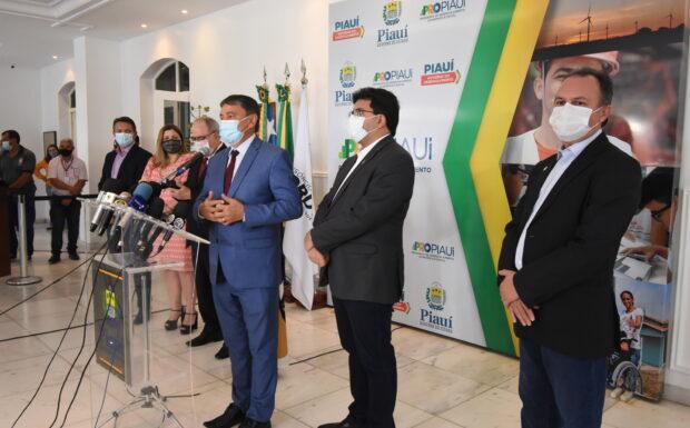GOVERNADOR anuncia antecipação do 13º salário para o dia 18 de outubro